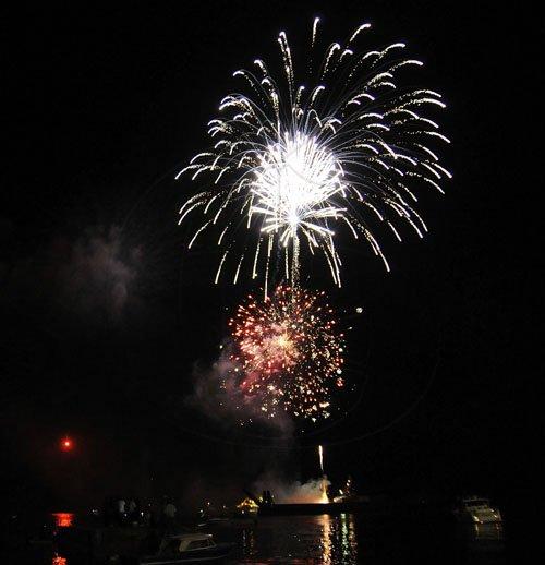 fireworksai20120101gt_595
