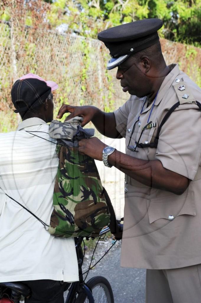 policeman-search