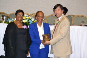 defreitas-receives-jagce-award-from-dr-wong-of-asca-and-mrs-nina-dixon